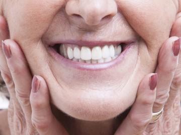 Dental implant simulator